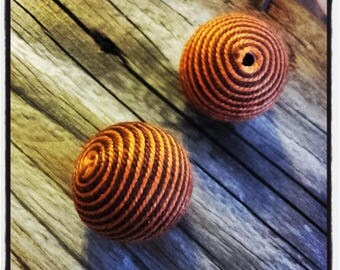 set of 2 orange and Brown 28 mm wire beads