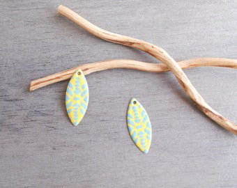 X 2 sequins shuttle enamelled yellow and light turquoise