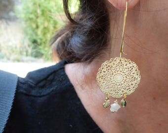 Earrings gilded with gold leaves fine lace pendants shells stars print