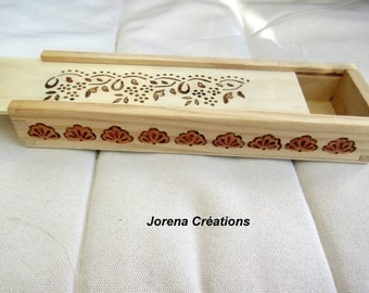 Natural wood pencil box pyrographed and varnished