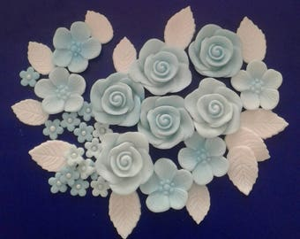 Edible fondant flower cake toppers, cake decorations