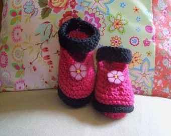 Form knitted babies 0 to 3 months handmade baby booties