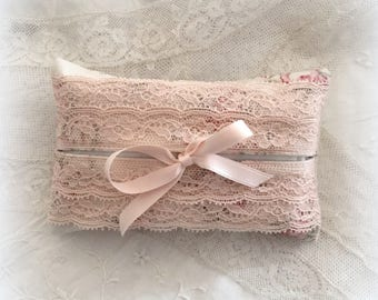 Tissue case powder pink double lace