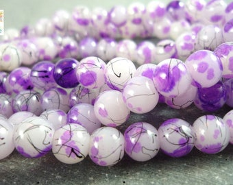 30 round beads, purple black white spotted glass 6mm (pv146)