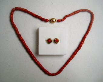 Antique red coral-necklace with gold clasp and gold earrings