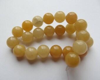 24 round beads smooth natural jade 8 mm KIZI-110