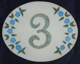 Door number, original oval shape, number 3 deco linen flowers