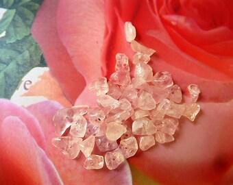 old white quartz chips beads pink 5-11 mm 5 g sachet