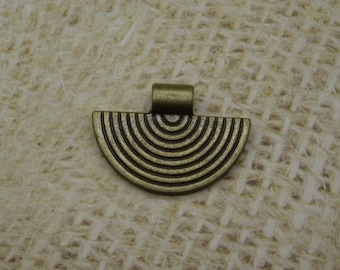 3 charms striped half moon metal bronze ethnic 25mm