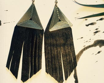 Leather earrings black/gold