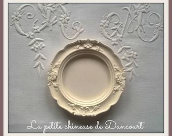 Round plaster frame