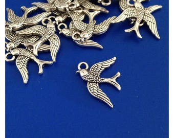 5 pendants swallows finely engraved antique silver color