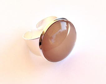 Antique silver backing and camel round glass cabochon ring