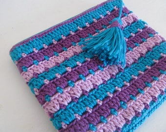 """""""BOLLYWOOD"""" crocheted pouch"""