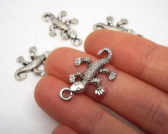 Small Gecko Charm Silver Coloured Charm 25 x 15mm, Lizzard Charm Reptile Charm
