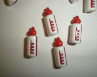 Set of 3 bottles, red and white colors, size 20 mm buttons