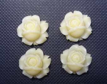 4 roses flowers yellow off white resin 1.2 cm