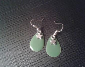 Star sequin green enamel earring
