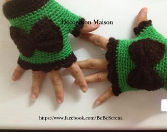 Green and Brown gloves very elegant crochet