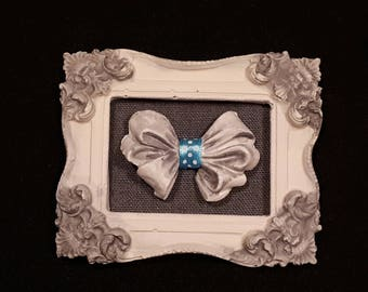 Small table 3D plaster 10 x 12 cm retro bow