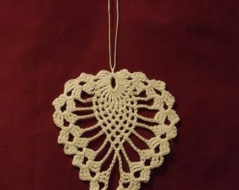 Dangling heart crochet cotton white 2