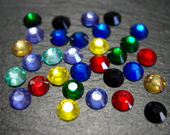 200 round multi-faceted cabochons glue multicolored 8 mm