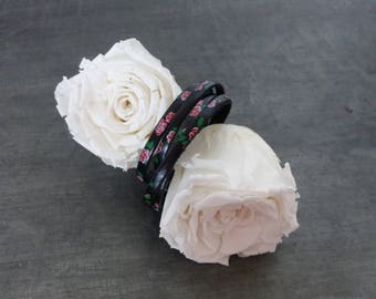 Bracelet black leather with roses