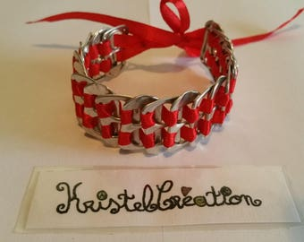 Bobbin Mod2 and Red Satin Ribbon bottle cap bracelet