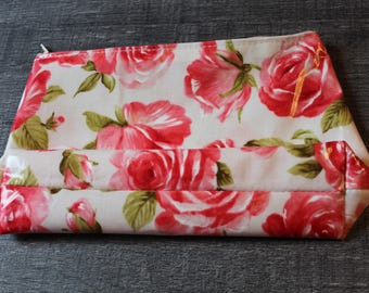 Makeup or accessories case with flowers
