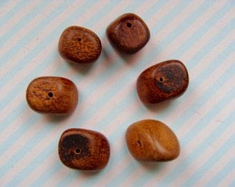 Set of 6 beads in exotic wood irregular 17mm approx