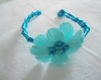 Bracelet made of aluminum and flower fabric