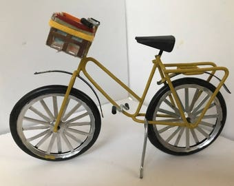1:12 scale dollhouse bicycle  Sunflower