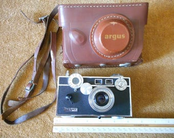 "35 mm Black Argus Camera ""The Brick"""