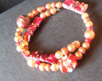 Red renaissance bracelet with paper beads
