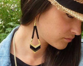Long earrings gold and black