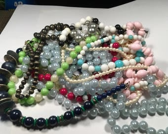 N126, jewelry lot, mixed vintage to now necklaces, beaded necklaces, crafters lot