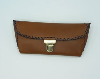 Glasses case in caramel brown cow leather, hand stitched, simple and functional