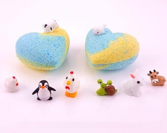 2 3.5 Oz Heart Kids Bath Bombs Surprise Animal Toy Inside Lavender/Coconut Scent