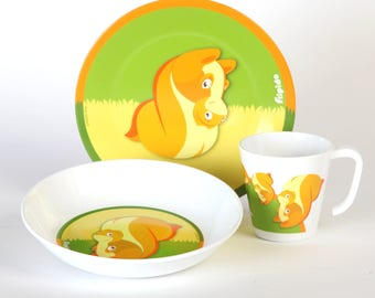 Unique and surprising melamine set. Each animal is actually two. just look from both sides..It's the perfect gift!