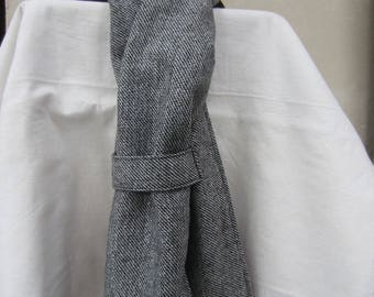 Unisex charcoal grey scarf lined with fleece