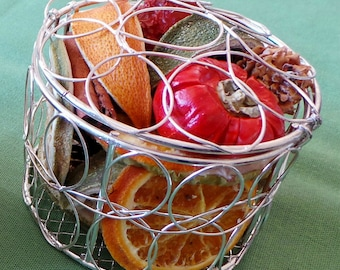 Dried fruit mesh round basket pomander for Christmas