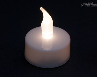 LED candle light with white flame