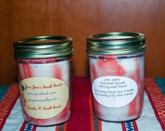 Fresh strawberry chunk candle 8 ounce