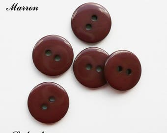 Set of 5 buttons round 15 mm 2-hole: Brown