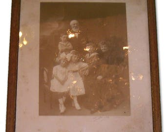 Photo Family Portrait - Early twentieth century.