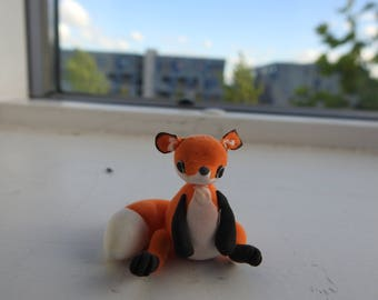 (Polymer clay) fox, Fox miniature Fox as a decoration or to collect, miniature fox, fimo