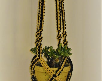 """The """"Crisscross Cradle"""" (Black and Gold)"""