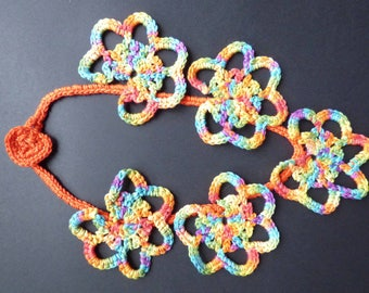 multicolored necklace 5 large crocheted flowers