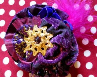 """Brooch """"MILADY"""" Shabby Chic velvet and moire plum Golden Star heart"""