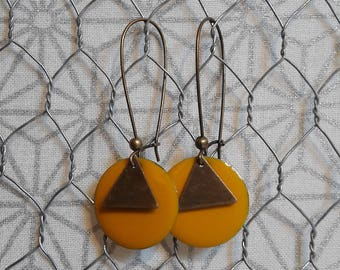 Dangling earrings, mustard yellow enamel sequin